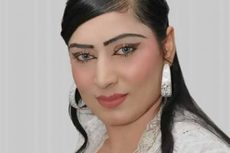 فیصل آباد کی سٹیج اداکارہ اریسہ کیانی دل کا دورہ پڑنے سے انتقال کرگئیں