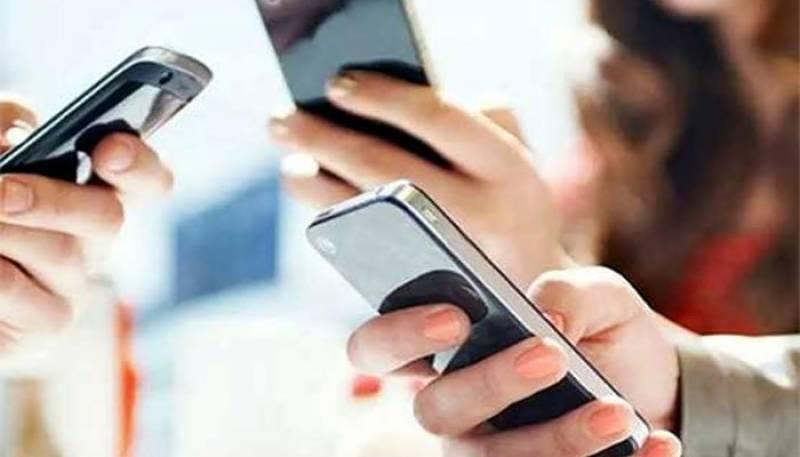 موبائل فون کمپنیوں کا 100 روپے کے کارڈ پر 100 روپے کا بیلنس دینے کا اعلان