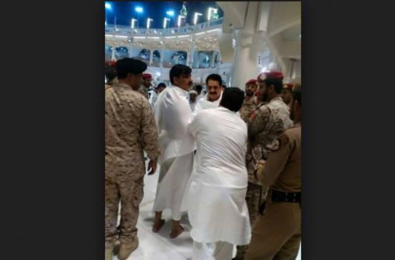 سابق آرمی چیف راحیل شریف نے نمازعید شاہ سلیمان کے ساتھ مسجد الحرام میں اداکی