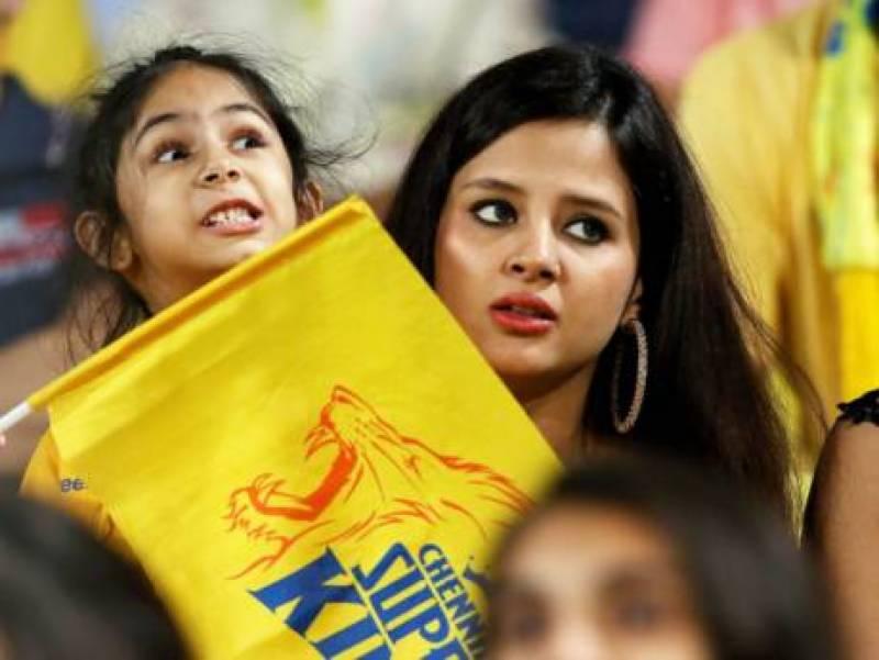 دھونی کی اہلیہ نے اسلحہ لائسنس کیلئے درخواست جمع کروا دی