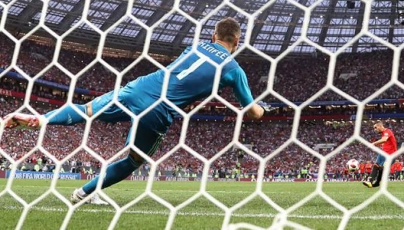 فیفا ورلڈ کپ ، روس نے اسپین کو ایونٹ سے باہر کر دیا
