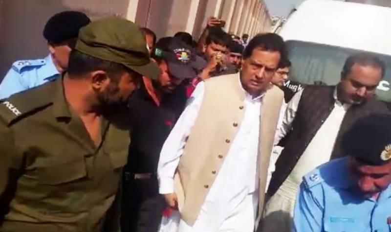 کیپٹن(ر) صفدرکی گرفتاری میں رکاوٹ ڈالنے والے (ن) لیگی رہنمائوں کی ضمانت میں توسیع