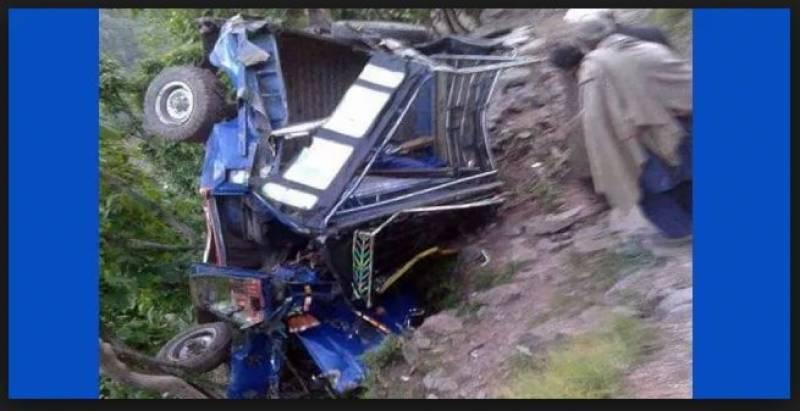 جیپ کھائی میں گرنے سے 4افراد جاں بحق،3زخمی