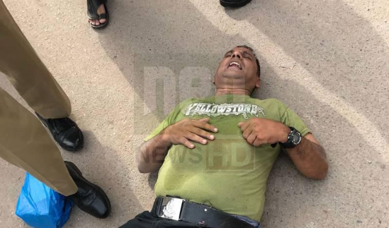 کراچی، جعلی پولیس اہلکار ووٹ ڈالتے ہوئے پکڑا گیا