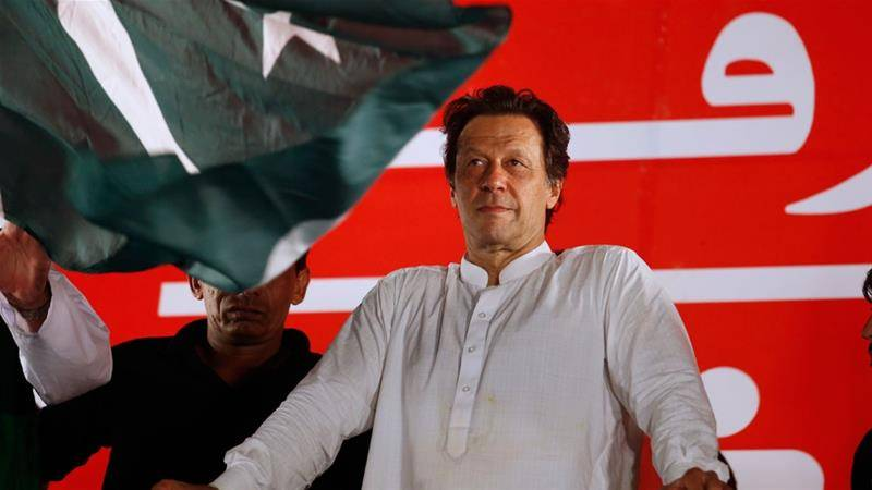 عمران خان کھلے عام ووٹ ڈالنے پر پھر طلب