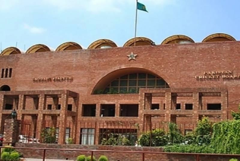 پاکستانی کرکٹرز کی تنخواہوں میں اضافہ کر دیا گیا