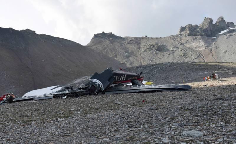 سوئٹزرلینڈ میں 79 سال پرانا طیارہ گر کر تباہ،20 افراد ہلاک