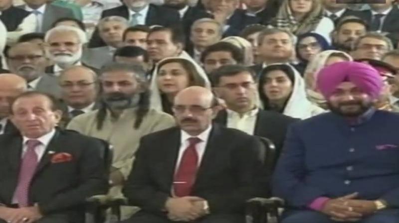 عمران خان کی تقریب حلف برداری میں صرف چائے بسکٹ پیش کئے گئے