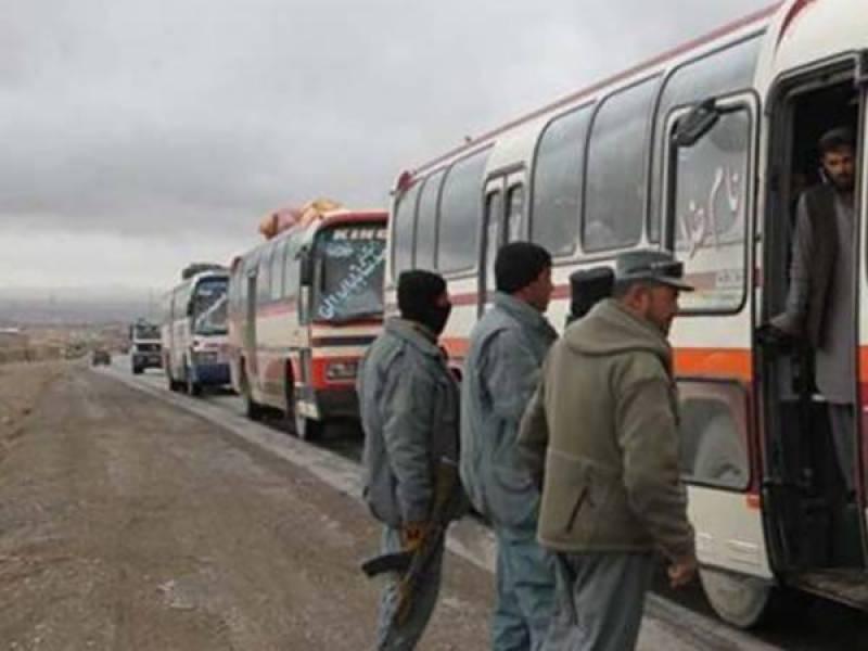 افغانستان میں طالبان نے تین بسوں کو یرغمال بنالیا،21 مسافر اغوا