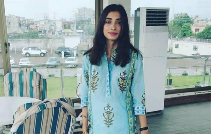 معروف پاکستانی ماڈل انعم تنولی نے خود کشی کر لی