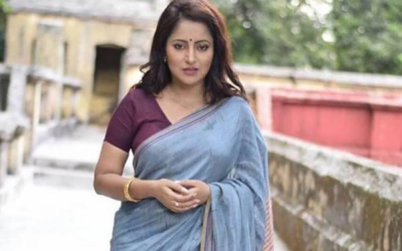 بھارت کی مقامی فلم انڈسٹری کی معروف اداکارہ پائل چکرابرتی نے خودکشی کرلی