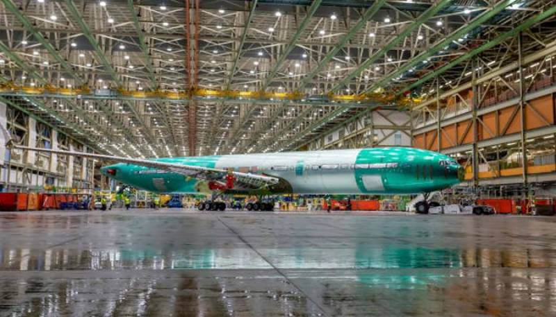 جہاز ساز کمپنی بوئنگ نے دنیا کے سب سے بڑے مسافر طیارے کی تصویر جاری کردی