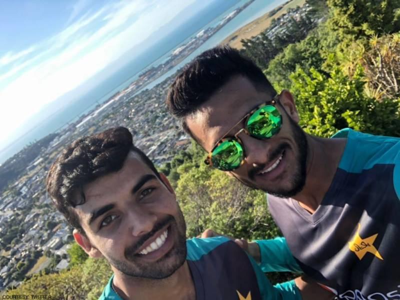 حسن علی اور شاداب خان کے نئے ہیئرسٹائل شائقین کرکٹ کی توجہ کا مرکز