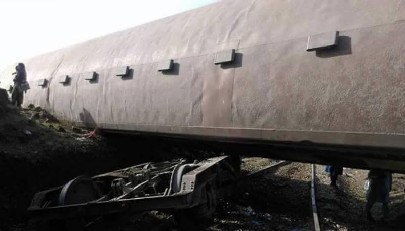 خوشحال خان خٹک ٹرین حادثے کے ذمہ دار ڈرائیور اور گارڈ قرار
