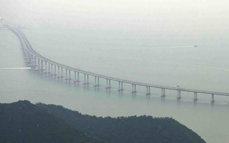 چین نے دنیا کا سب سے بڑا سمندری پل عوام کے لیے کھول دیا