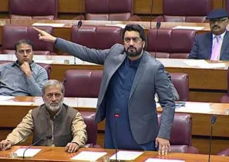 نئے پاکستان میں شہریوں پر گولی اور ڈنڈے نہیں چلیں گے:شہریار آفریدی