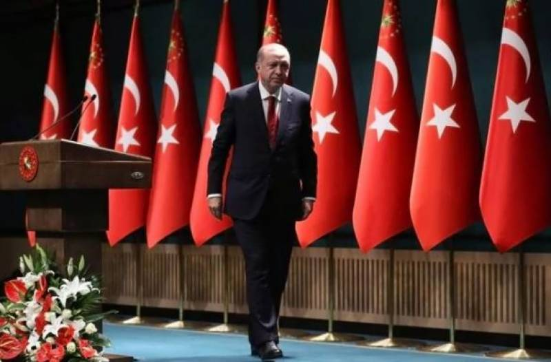 ترک صدر طیب اردگان کا فوجی بغاوت میں ملوث فوجی افسران کو گرفتار کرنے کا حکم