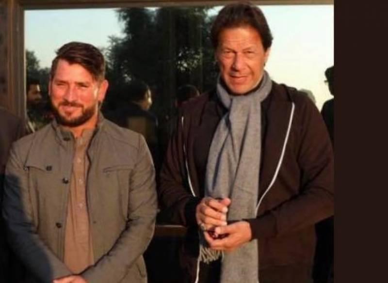 وزیراعظم عمران خان سے یاسر شاہ کی بنی گالہ میں ملاقات