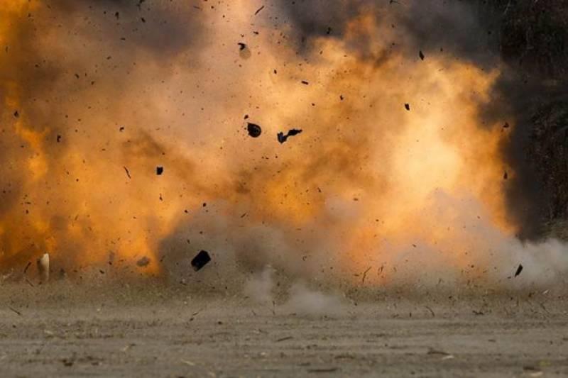 پشاور میں ورسک روڈ پر دھماکے کی آواز سے لوگوں میں خوف و ہراس پھیل گیا