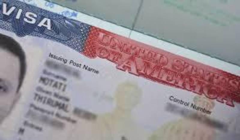 امریکا نے پاکستانیوں کیلئے ویزا مدت میں کمی کر دی