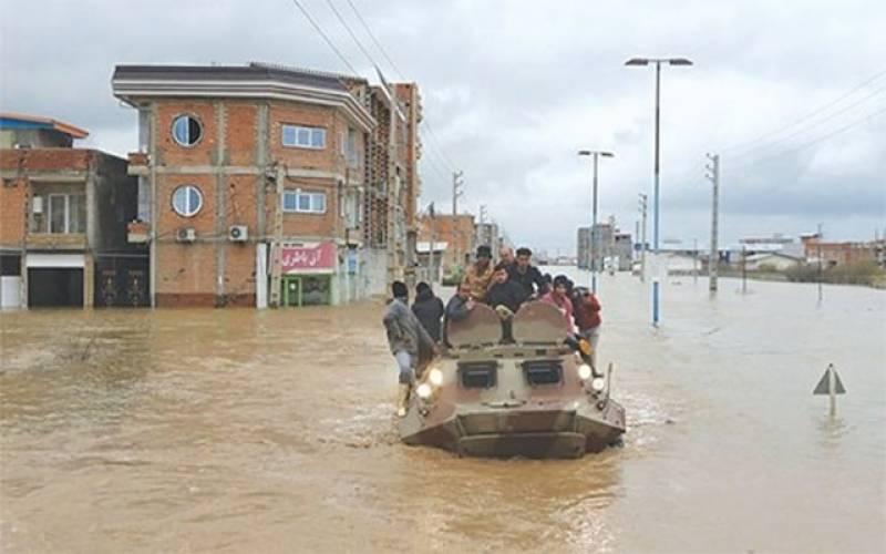 سیلاب کی تباہ کاریاں ، پاکستان نے امدادی سامان سے بھرے دو جہاز ایران بھجوا دیئے