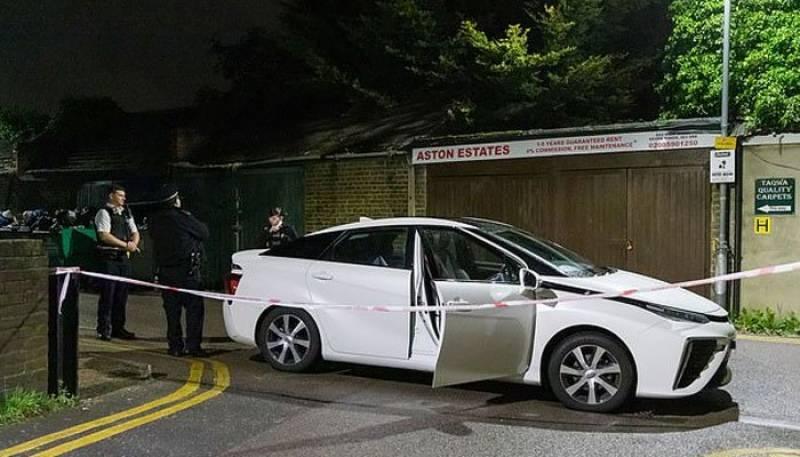 لندن :مسلح شخص کی تراویح کے دوران مسجد میں گھسنے کی کوشش، ملزم فرار