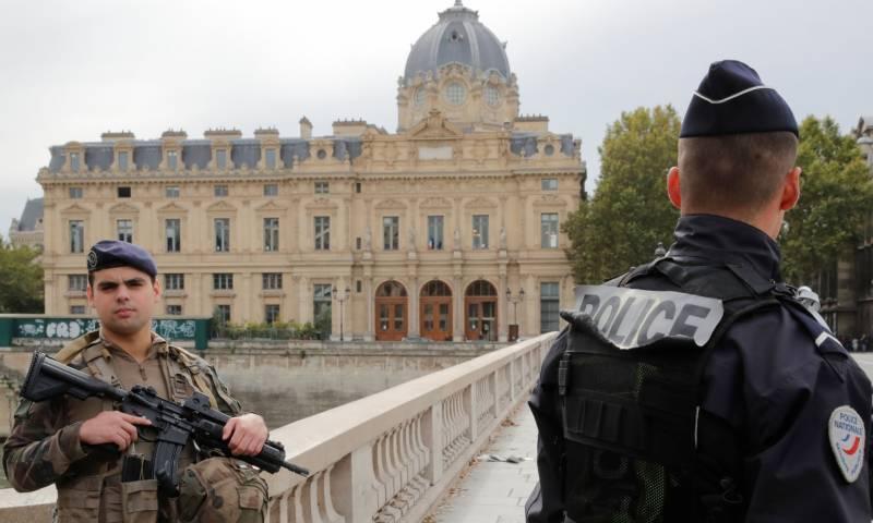 پیرس میں 4 پولیس اہلکار اپنے ہی ساتھی کے ہاتھوں قتل