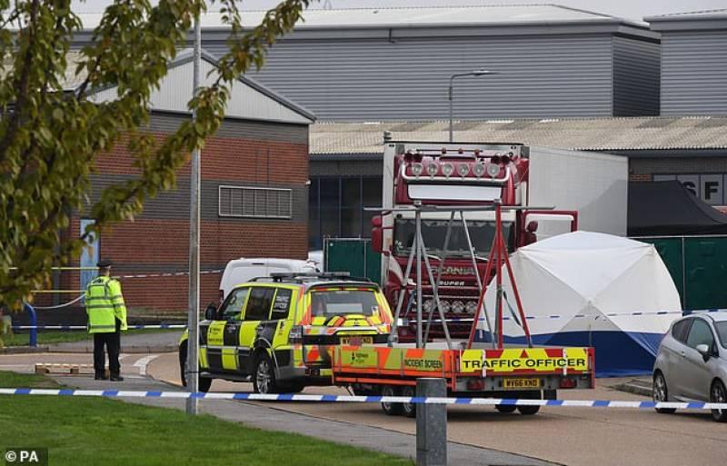 برطانیہ میں ہولناک واقعہ, بچے سمیت 35 لاشیں برآمد