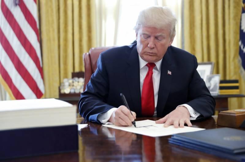 ڈیموکریٹس ناکام، ڈونلڈ ٹرمپ مواخذے سے بچ گئے، صدر برقرار رہیں گے