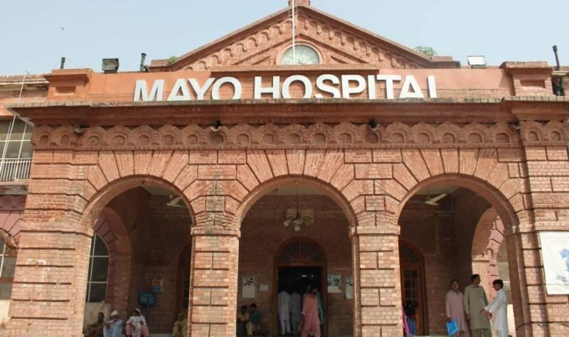 پاکستان میں کورونا وائرس کا پہلا مریض دم توڑ گیا