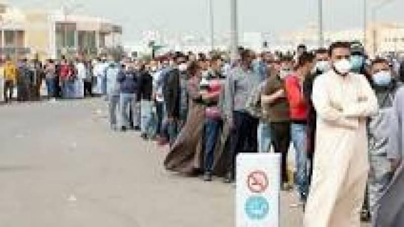 کویت نے بنگلہ دیشی اور بھارتی شہریوں کوڈی پورٹ کرنا شروع کر دیا