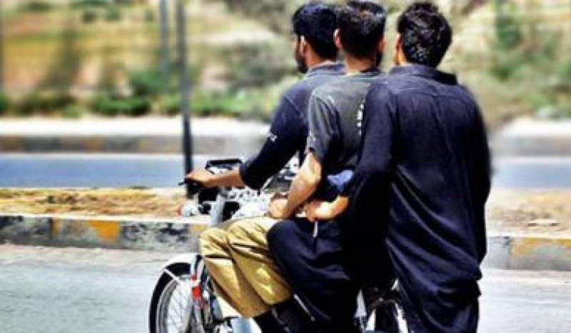 سندھ لاک ڈاؤن مزید سخت، خواتین اور بچوں کی ڈبل سواری پر بھی پابندی عائد