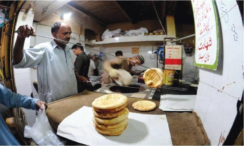 عوام پر مہنگائی کے وار جاری، روٹی 10 کی نان 15 روپے کا ہو گیا