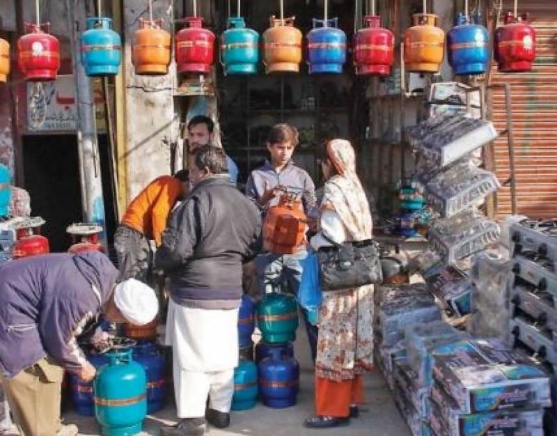 اوگرا نے ایل پی جی کی قیمت میں 3.96 روپے فی کلو گرام کا اضافہ