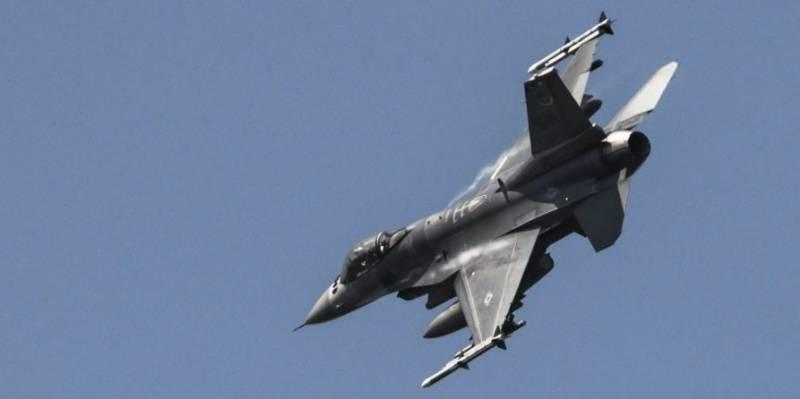 امریکہ میں ایف 16 طیارہ گرکر تباہ، پائلٹ ہلاک