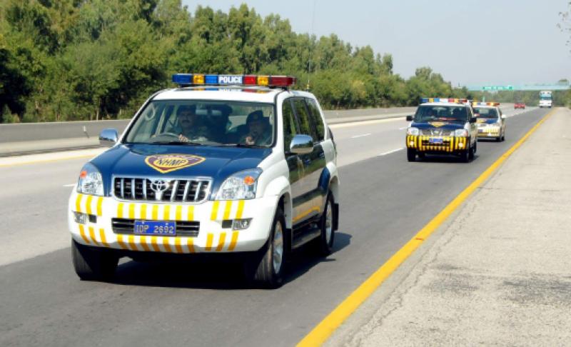 موٹروے پر خراب لائٹس والی گاڑیوں کے داخلے پرپر پابندی