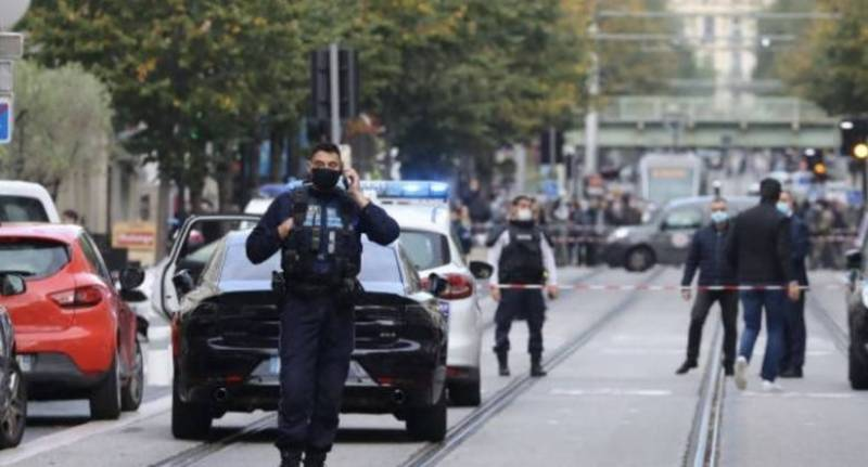Three killed in France knife attack
