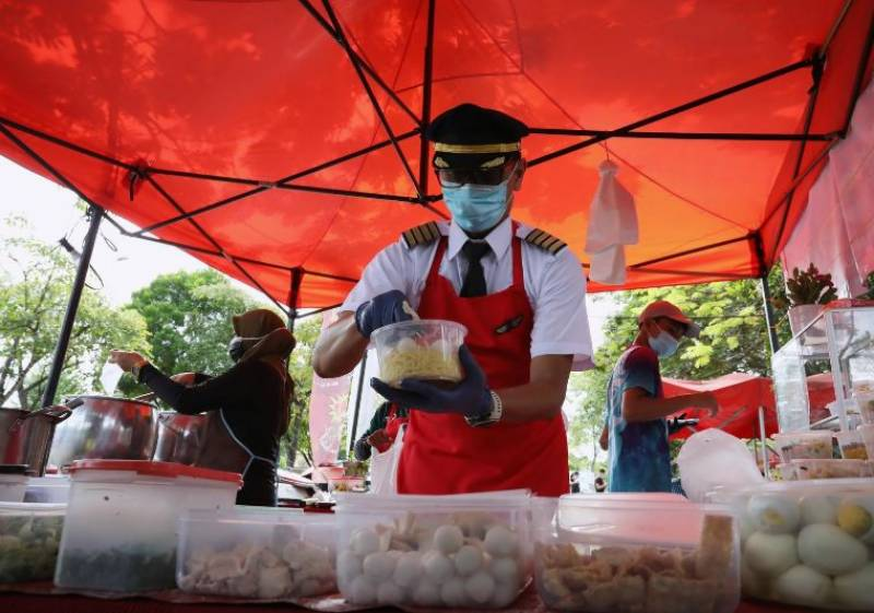 Captain's Corner: Grounded Malaysian pilot's noodle stall takes off