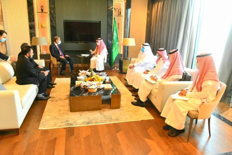 شاہ محمود قریشی کی سعودی وزیر خارجہ سے ملاقات، اہم امور پر تبادلہ خیال