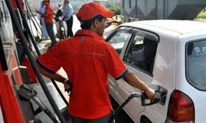 پٹرول کی قیمت برقرار، ہائی سپیڈ ڈیزل کی قیمت میں اضافہ