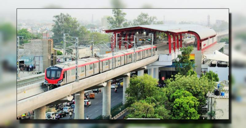 بھارت شہر لکھنو والوں کی پتنگ بازی نے میٹرو ٹرین رکوا دی