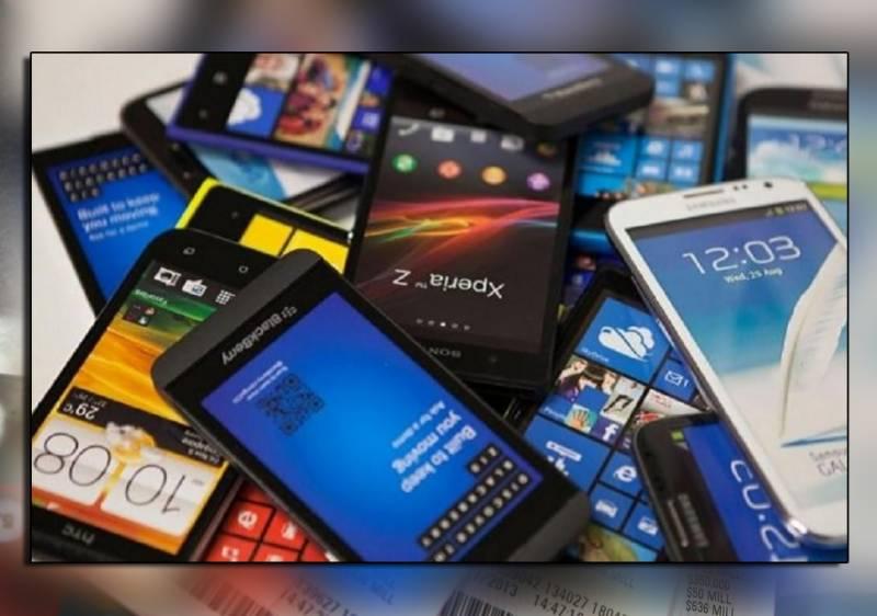پاکستان میں تیار موبائل فونز پر عائد ٹیکس ختم