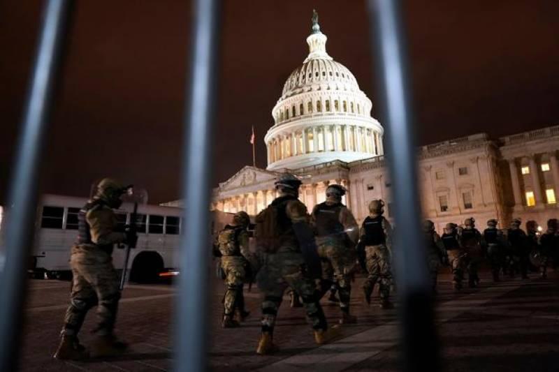 امریکی کانگریس کی عمارت پر نیشنل گارڈز نے ڈیرے ڈال لیے