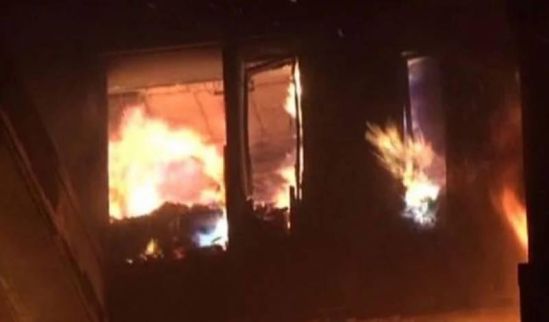 لاہور، گیس کے ہیٹر سے لگنے والی آگ نے چارافراد کی جان لے لی