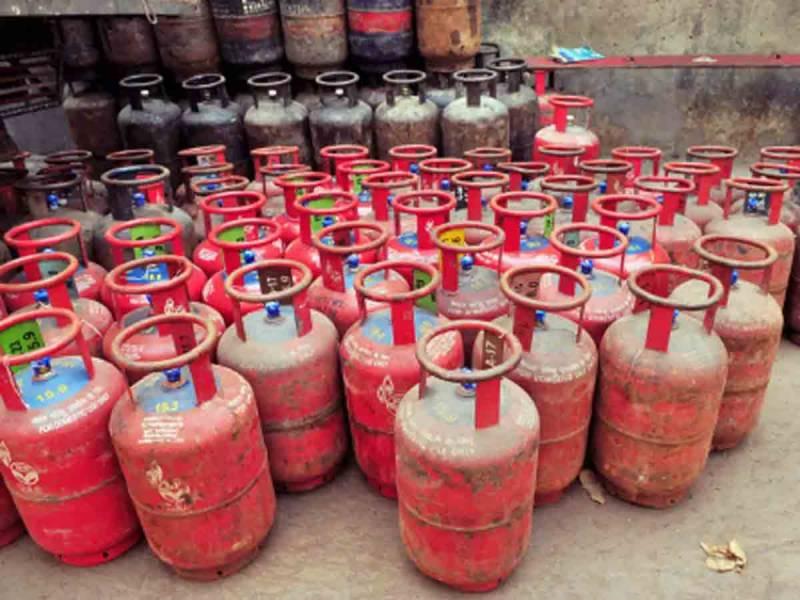 ایل پی جی کی قیمت میں 10 روپے 38 پیسے اضافہ کر دیا گیا