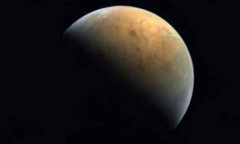 متحدہ عرب امارات ، خلائی مشن ہوپ نے مریخ کی پہلی واضح تصویر بھیج دی