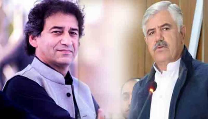 وزیراعلی خیبرپختونخوا اور عاطف خان کے درمیان اختلافات ختم ہو گئے