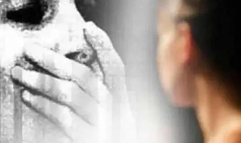 شوہر کے روپ میں بھوت کمرے میں آجاتا ہے،بھارتی خاتون کا دعویٰ
