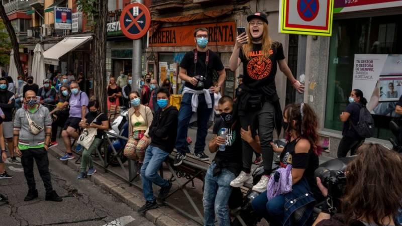 سپین میں معروف گلوکارکی گرفتاری کے بعد مظاہرے پھوٹ پڑے