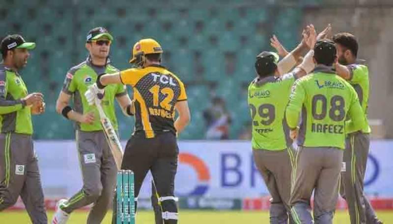 پی ایس ایل 6، لاہور قلندرز نے پشاور زلمی کو 4 وکٹوں سے شکست دیدی